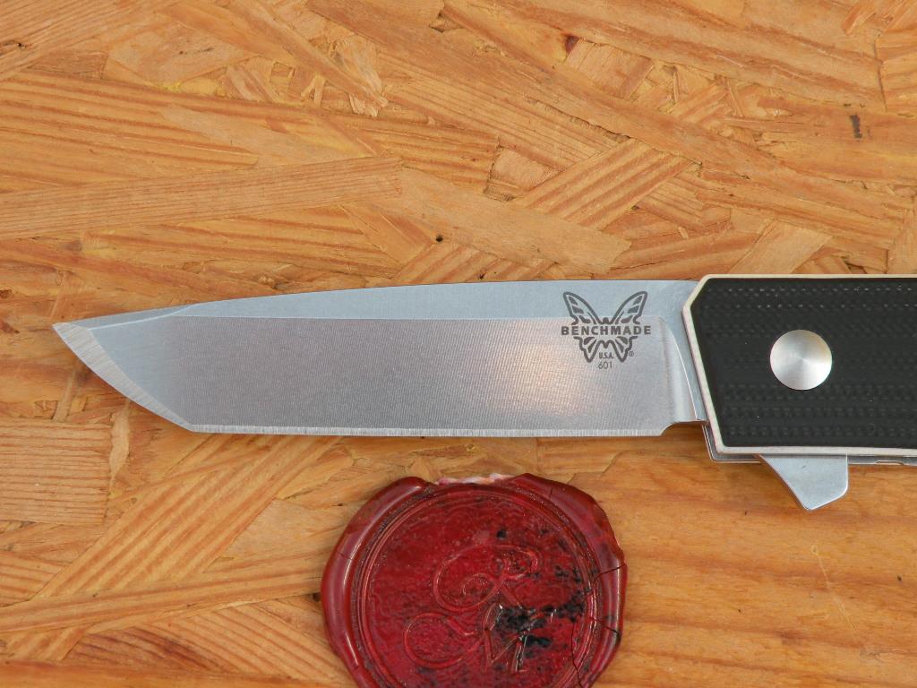 Benchmade 601 TENGU FLIPPER, Tanto, G10