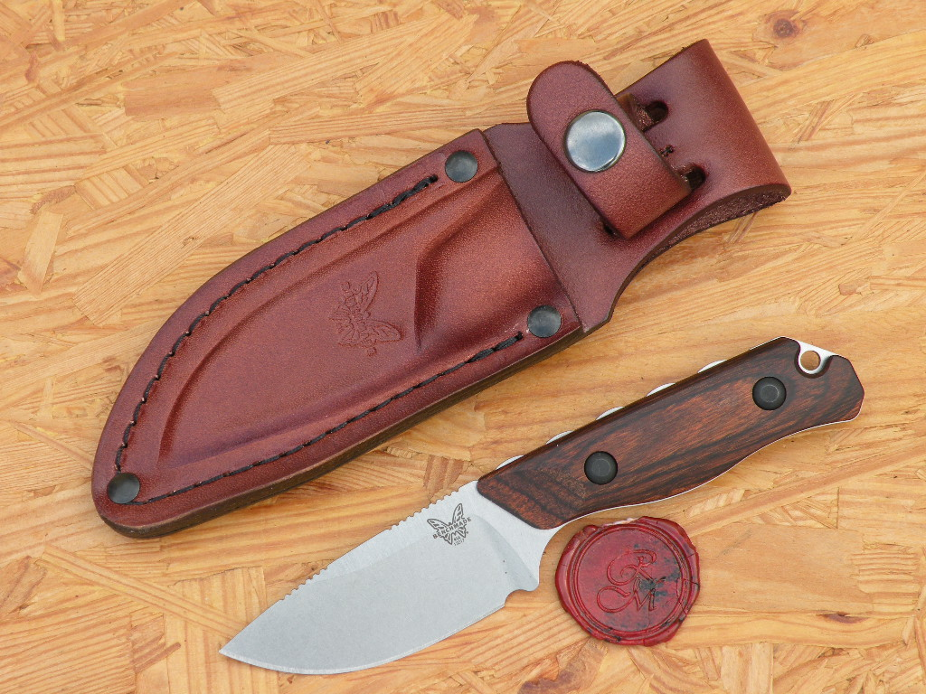 Benchmade 15017 - Hidden Canyon Hunter, Wood